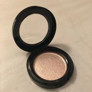 Rose gold highlighter